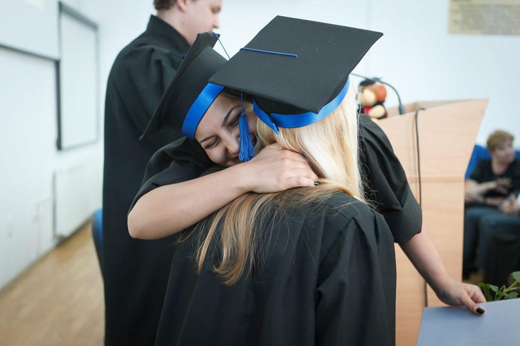 留學貸款怎麼選?教你借100萬省下25萬利息!
